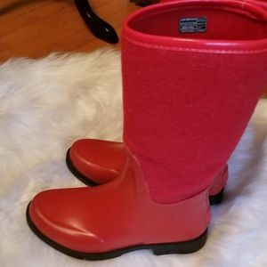 Ugg red rubber and wool all weather boots